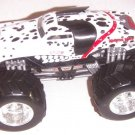USED Mattel Hot Wheels Monster Jam 1:24 Scale Die Cast Truck MONSTER MUTT Dalmatian Chrome Rims