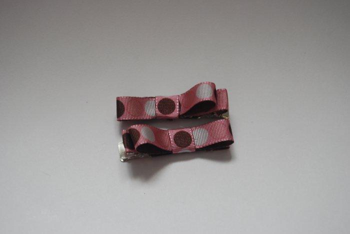 Polka dot pink clips