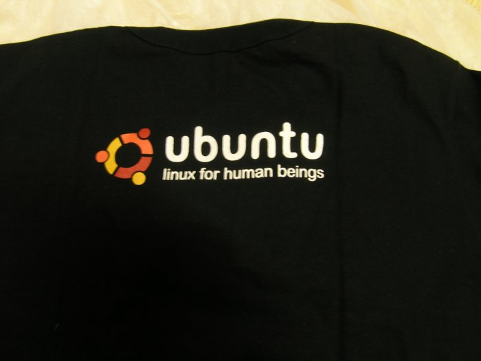 Short sleeve UBUNTU t-shirt