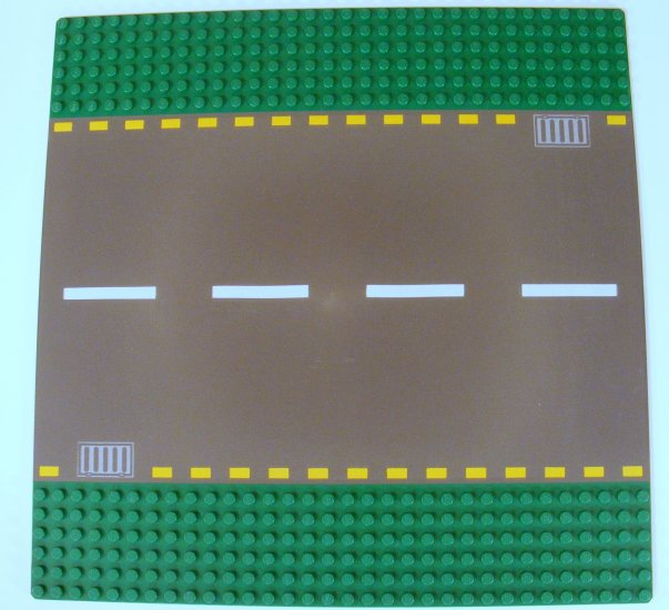Green 32x32 Dots Baseplate Road 6-Stud Straight with Road Pattern 44336p01 B40