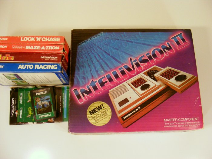 Mattel Intellivision II 2 Video Game System Console w/ Box 10 Games Pitfall Burgertime
