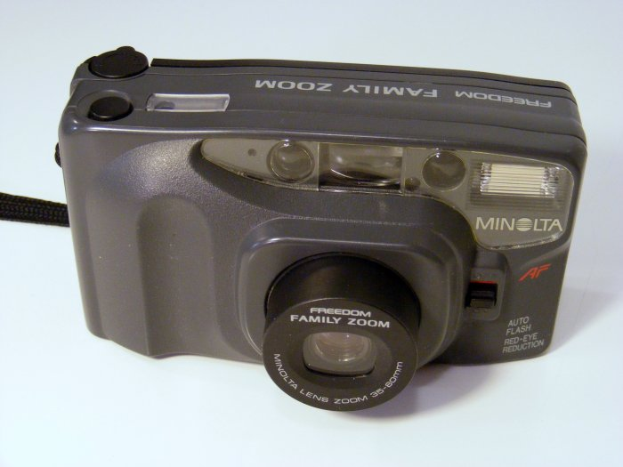 MINOLTA 35MM Film CAMERA FREEDOM FAMILY ZOOM 35-60MM  with Strap -- Works Great
