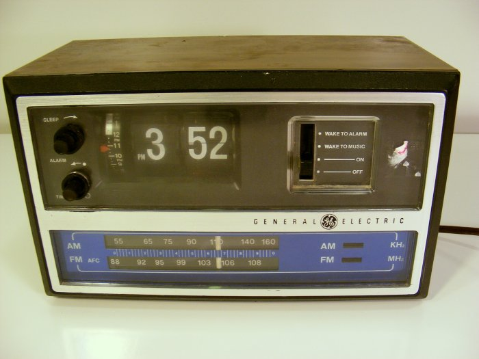 Vintage Ge Flip Clock Radio 7 4315 General Electric