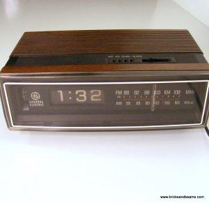 vintage ge flip clock radio 7 4305c general electric 1973. Black Bedroom Furniture Sets. Home Design Ideas