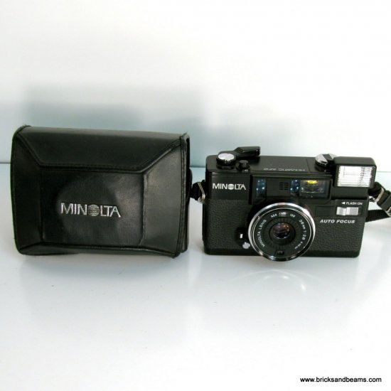Vintage Minolta Hi-Matic AF2 35MM Film Camera with Case Works and Looks Great