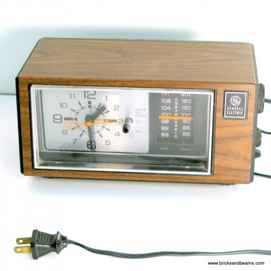 Vintage GE Clock Radio 7-4550C General Electric