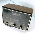 Vintage GE Flip Clock Radio 7-4415B General Electric Date Code 1631