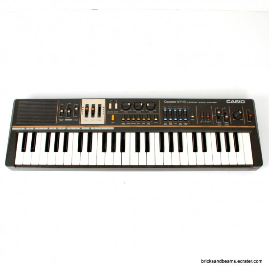 Casiotone MT-68  Vintage Casio Keyboard Synthesizer Works Great