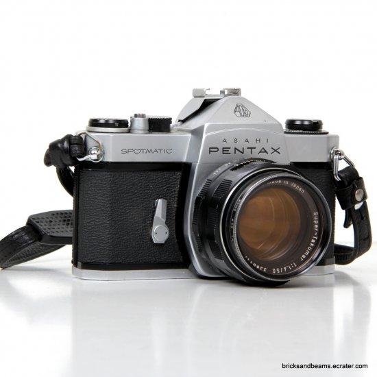Asahi Pentax Spotmatic 35mm SLR Film Camera w Super Takumar  1:1.4/50 Lens