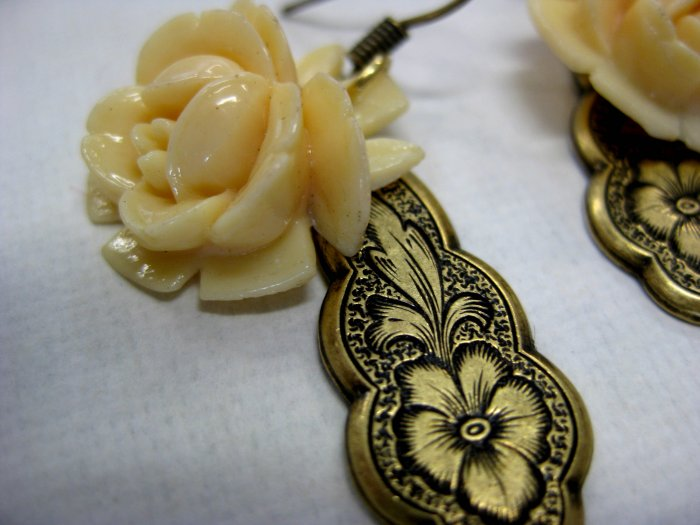Handmade Cream Rose with Pendant earrings