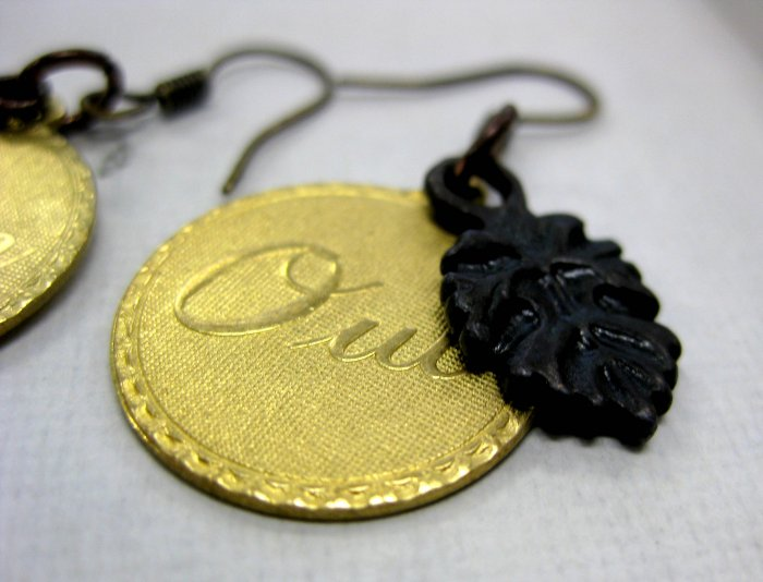 Handmade Oui/Non earrings