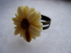 Handmade Ring - Vintage Daisy