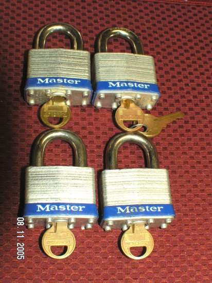 "Master Lock 1 3 .4"" Laminated Steel Padlocks KD 4 Lot #100"