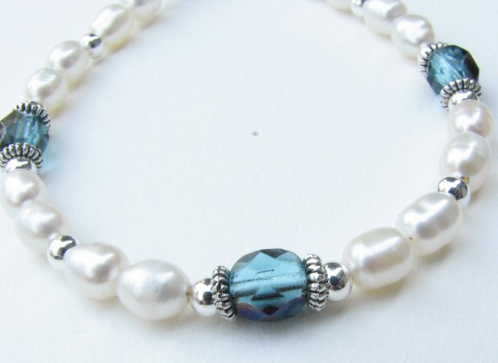 Freshwater Pearl Handmade Artisan Bracelet Stunning Northern Lights Aqua Blue Green Accents