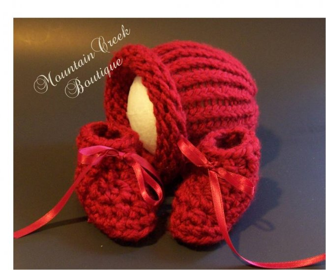 Red Knit/Crochet Baby/Newborn Hat and Booties Set