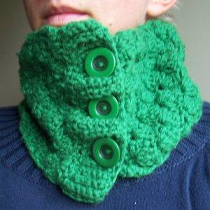 Green Shell Cowl- Neckwarmer- Scarf- Handmade Crochet