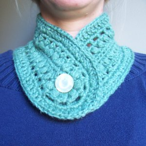 Pretty Puffs Buttonhole Neckwarmer-  Crochet PATTERN