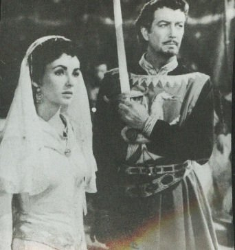 Elizabeth Taylor and Robert Taylor Ivanhoe 1952 original photo