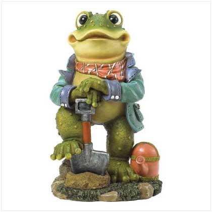 Froggy Gardener Statue