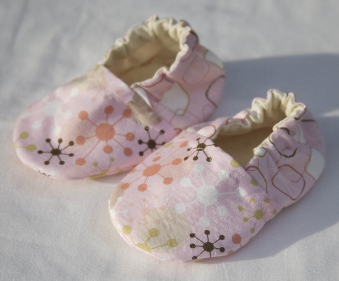 Retro Babe Pink Baby Booties with ORGANIC Linen Interiors