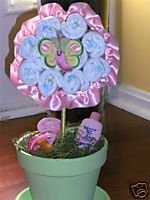 ADORABLE DIAPER DAISY!!! Perfect for Baby Showers!!!!!