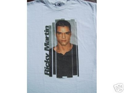 pop culture phenomenon RICKY MARTIN youth L(14-16) T-SHIRT