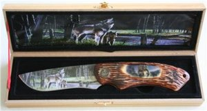 New! - Grey Wolf Mountain Knife with display box