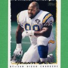 1995 Topps Football #218 Shawn Lee - San Diego Chargers