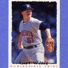 1995 Topps Baseball #302 Carl Willis - Minnesota Twins