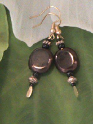Oval Black and bronze Czech glass