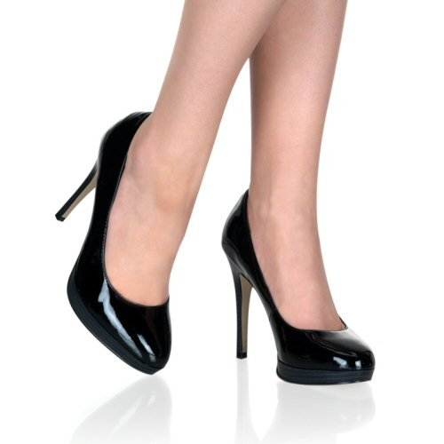 Women's Classic Round Toe Pumps