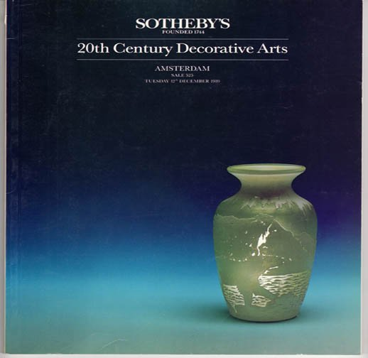 Sotheby's 20th Century Decorative Arts Auction Catalog Bakelite Collection Amsterdam  December 1989