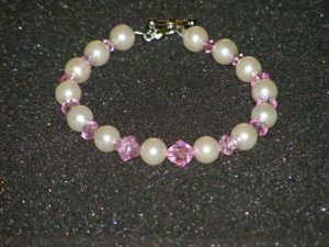 Handcrafted faux pearl bracelet