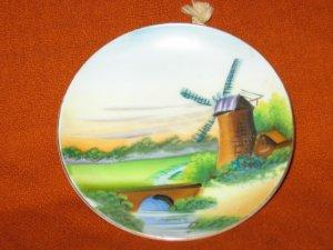 Miniature scenery plate set