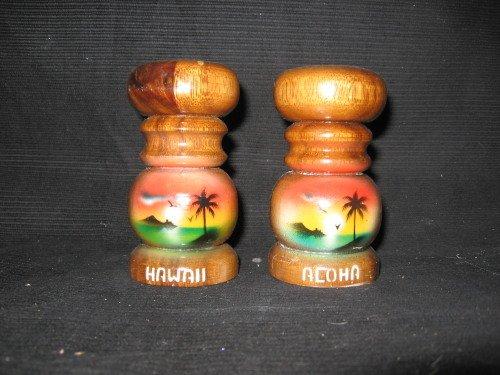 Hawaii Wood Salt & Pepper Shaker
