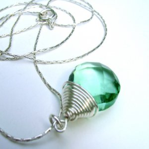Emerald Green Glass Briolette Drop Necklace