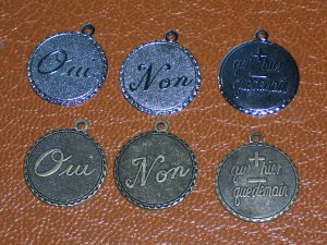 2 Non 2 OUI and 2 French love circle medallions for charms or Pendants