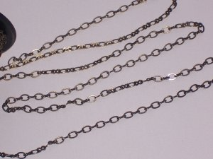 Antiqued Brass Chain Figure-8 10 feet