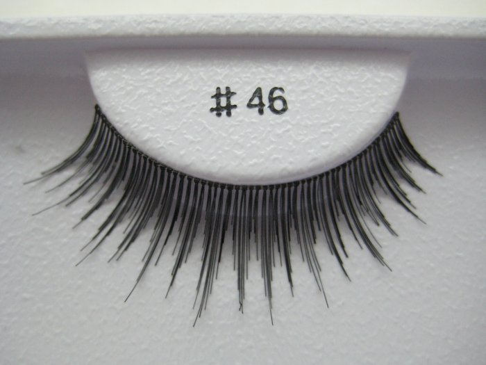 FALSE EYELASHES 46 [Comparable to MAC 3]