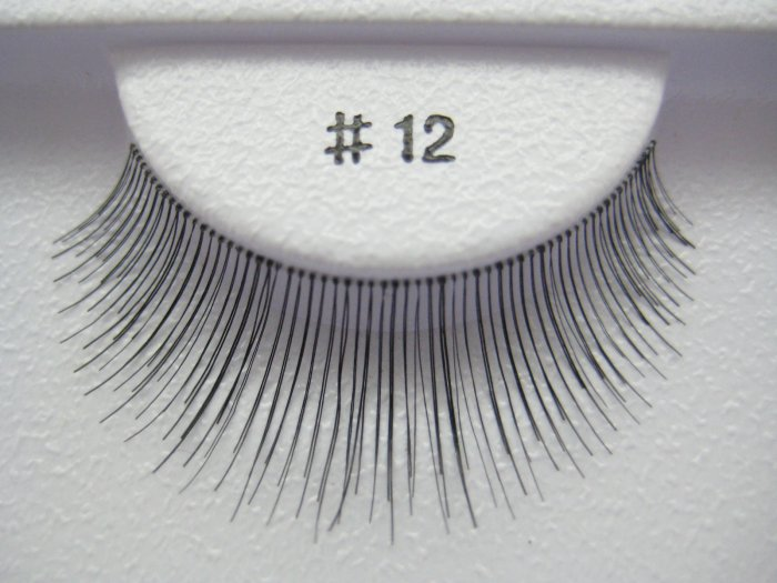 FALSE EYELASHES 12 [Comparable to MAC 21]