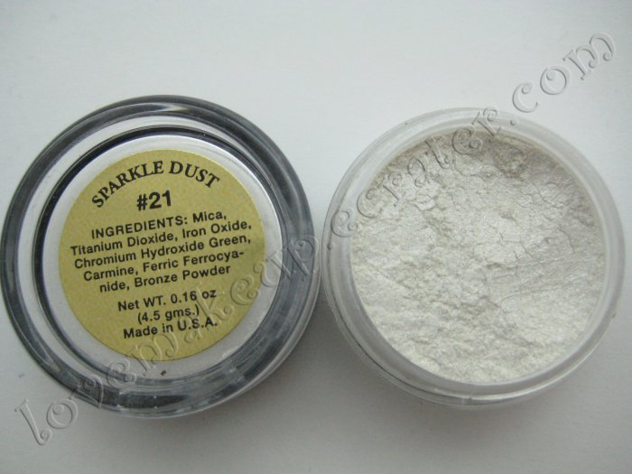 La Femme SPARKLE DUST #21 WHITE (Comparable to Napoleon Perdis and MAC)