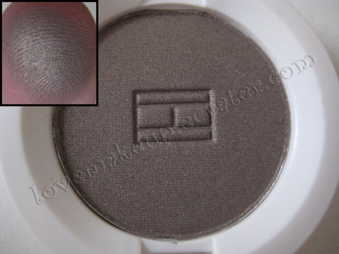 Tommy Hilfiger Wet-Dry Eyeshadow *REBELLIOUS* [DARK BROWN WITH SHIMMER]