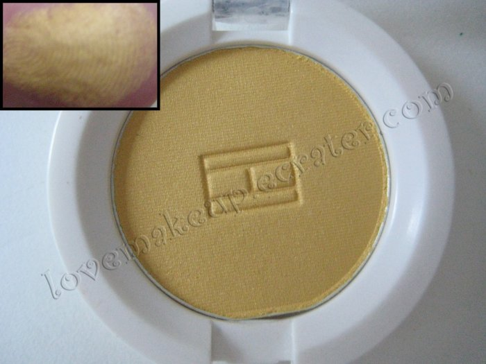 Tommy Hilfiger Wet-Dry Eyeshadow *SPORTY* [YELLOW WITH A HINT OF GOLD SHIMMER]