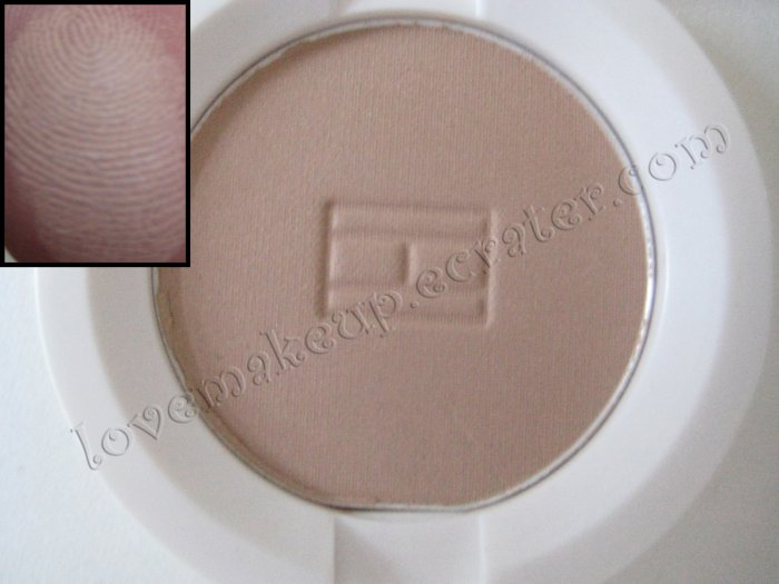Tommy Hilfiger Wet-Dry Eyeshadow *RESERVED* [NUDE TAUPE - NO SHIMMER]