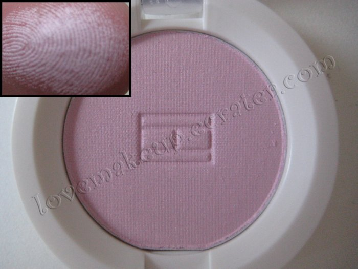 Tommy Hilfiger Wet-Dry Eyeshadow *DAINTY* [SOFT LIGHT PINK]