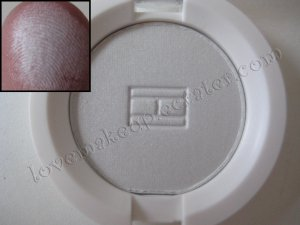 Tommy Hilfiger Wet-Dry Eyeshadow *INDEPENDENT* [ALMOST WHITE]
