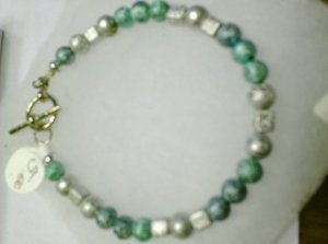 Shimmering Beads Blue, Green, and white bracelet