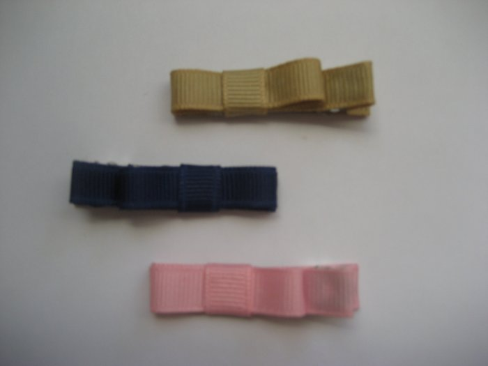 3 alligator clips perfect for uniforms and back to school