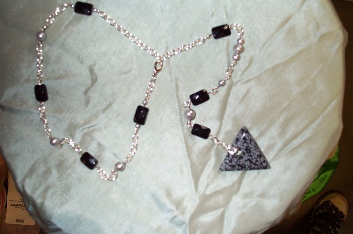 Black Glass Arrow Dark Elf Elven Necklace