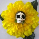 Frida calavera Yellow flower